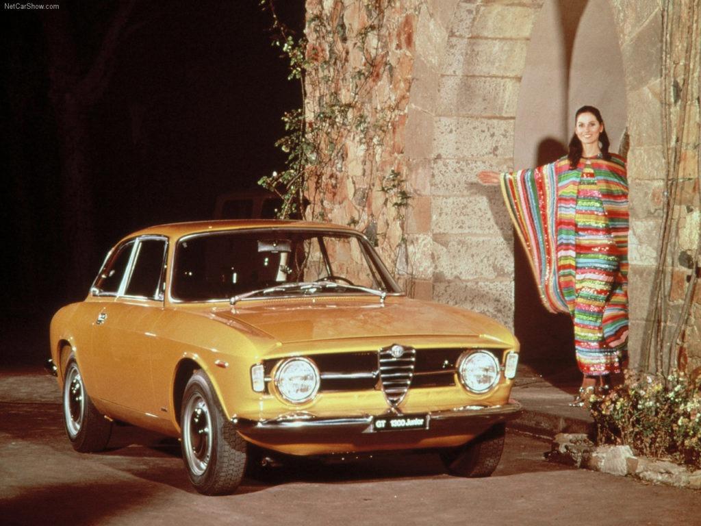 Alfa_Romeo-Giulia_Coupe_1300_GT_Junior_1966_1280x960_wallpaper_01