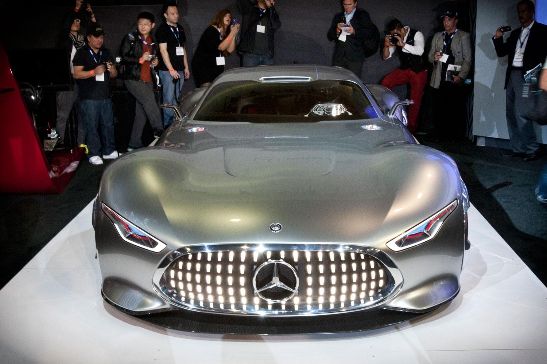 Mercedes-Benz-AMG-Vision-Gran-Turismo-front-02