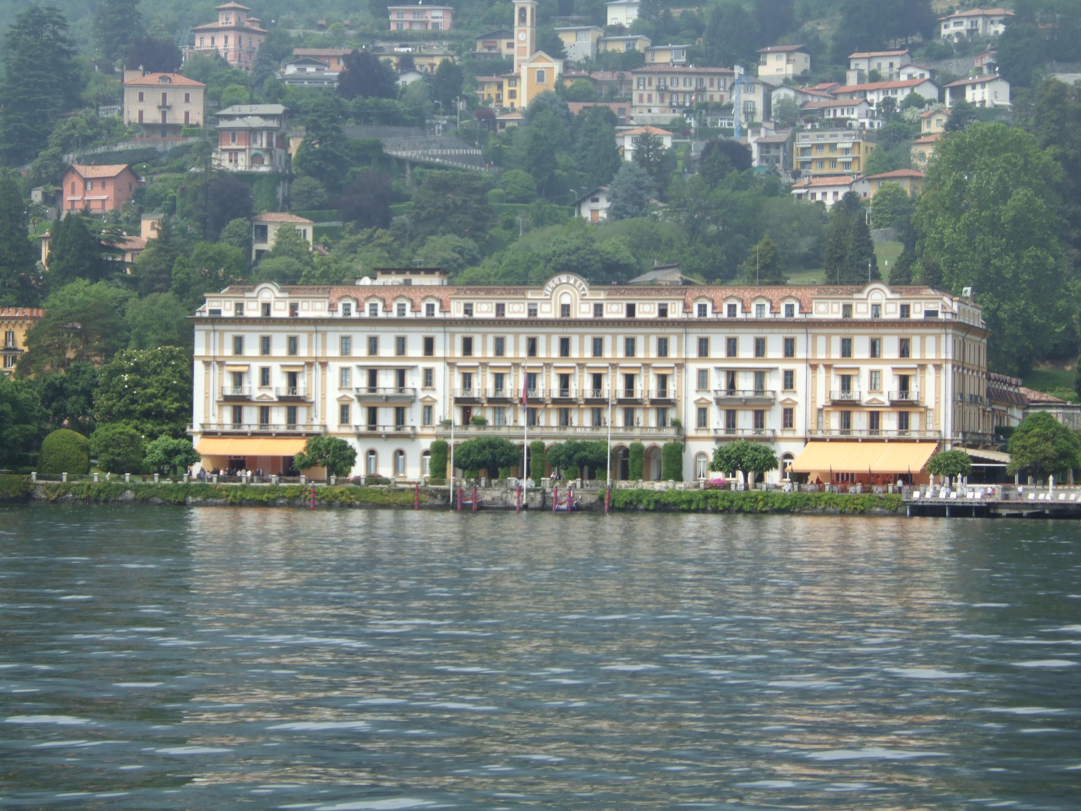 Veduta di Villa d'Este, splendida cornice dell'evento, dal lago di Como.