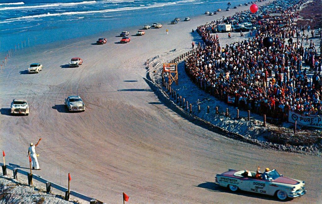 Una gara sulla spiaggia di Daytona