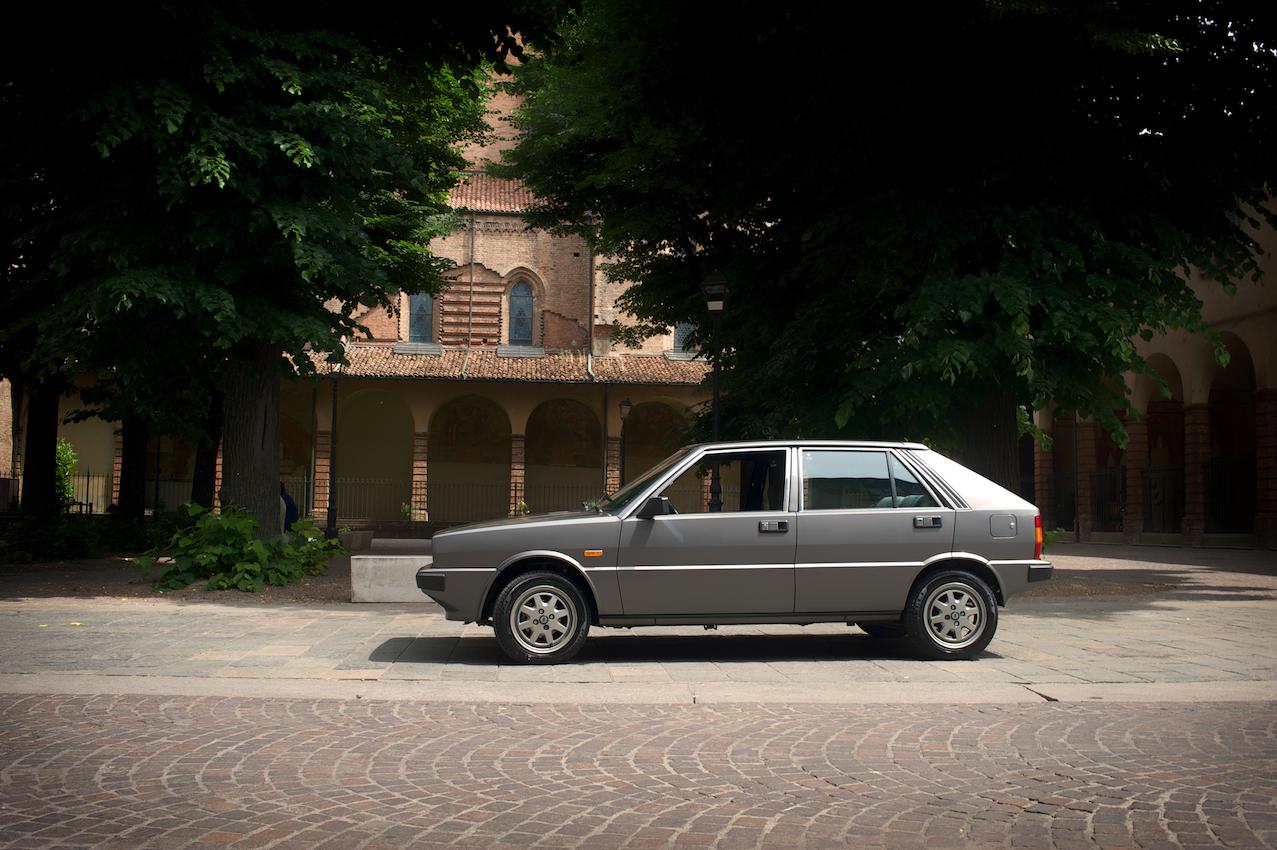 Lancia delta 1300 lx la scelta giusta for Garage significato