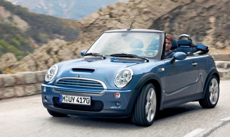 The-Mini-Cooper-S-Convertible-in-2004-now-stands-at-about-11.500-euros-e1310368299757