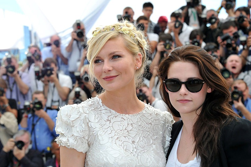 Kisten Stewart indossa un paio di Capri Ed. a Cannes