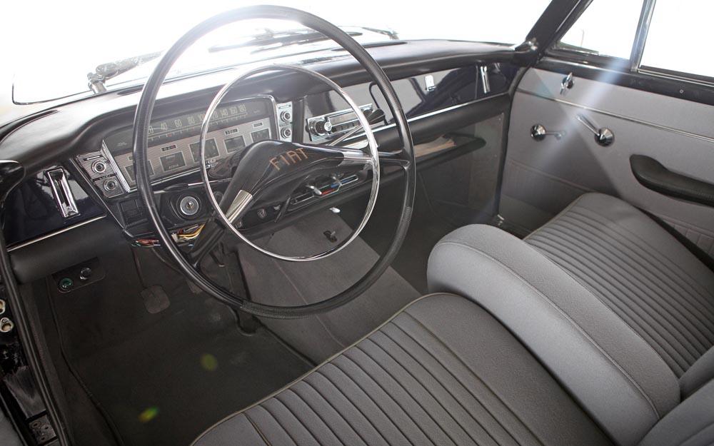 Fiat-2300-Lusso-1965-cruscotto