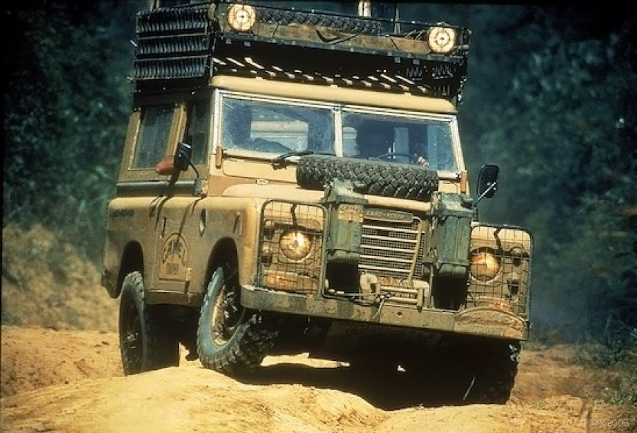 Land-rover-camel-trophy