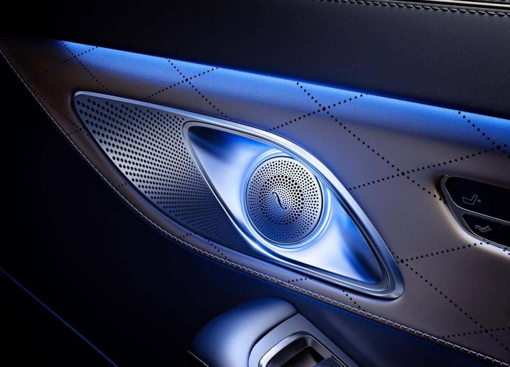 Mercedes-Benz-S-Class_Maybach_2016_1280x960_wallpaper_24