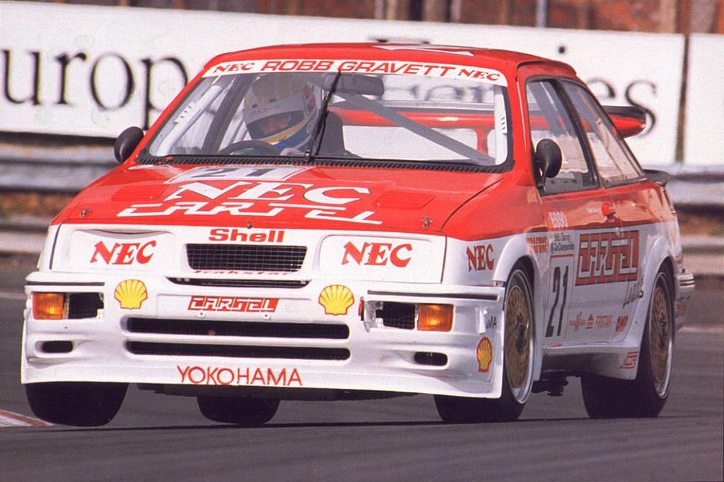 Robb Gravett campione BTCC 1990