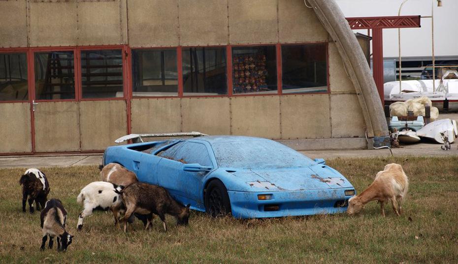 Abandoned-Exotics-Lamborghini-Diablo