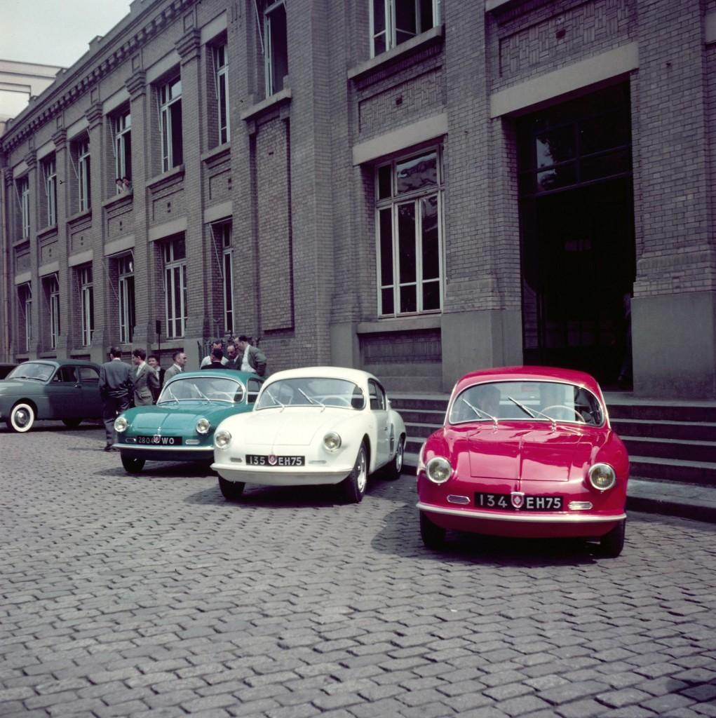 Renault_5886_global_en