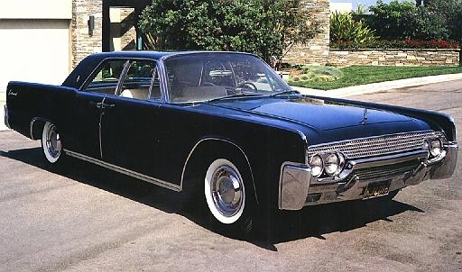 1961 Lincoln Continental 4-Door Hardtop Black Rt Frt Qtr