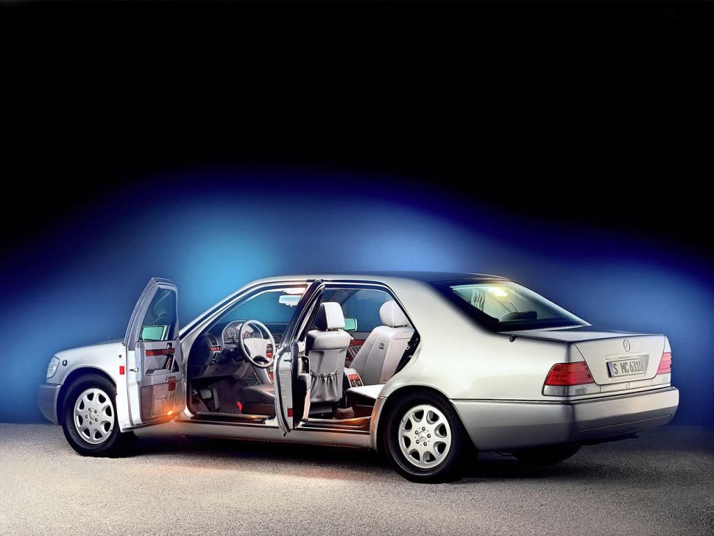 1992_Mercedes-Benz_S500_(_W140_)_Guard_002_6628
