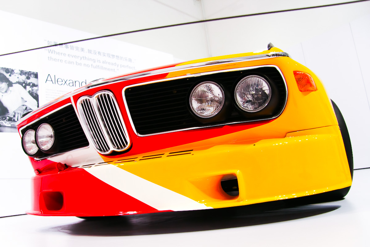 Alexander_Calder,_1975_BMW_3.0_CSL
