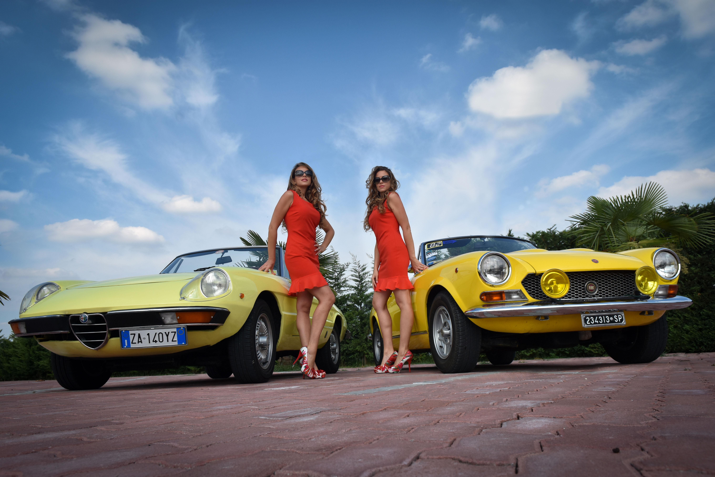 Un'estate italiana: Alfa Romeo Duetto e Fiat 124 Spider a ...