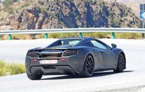 McLaren-675LT-Spider-foto-spia-2