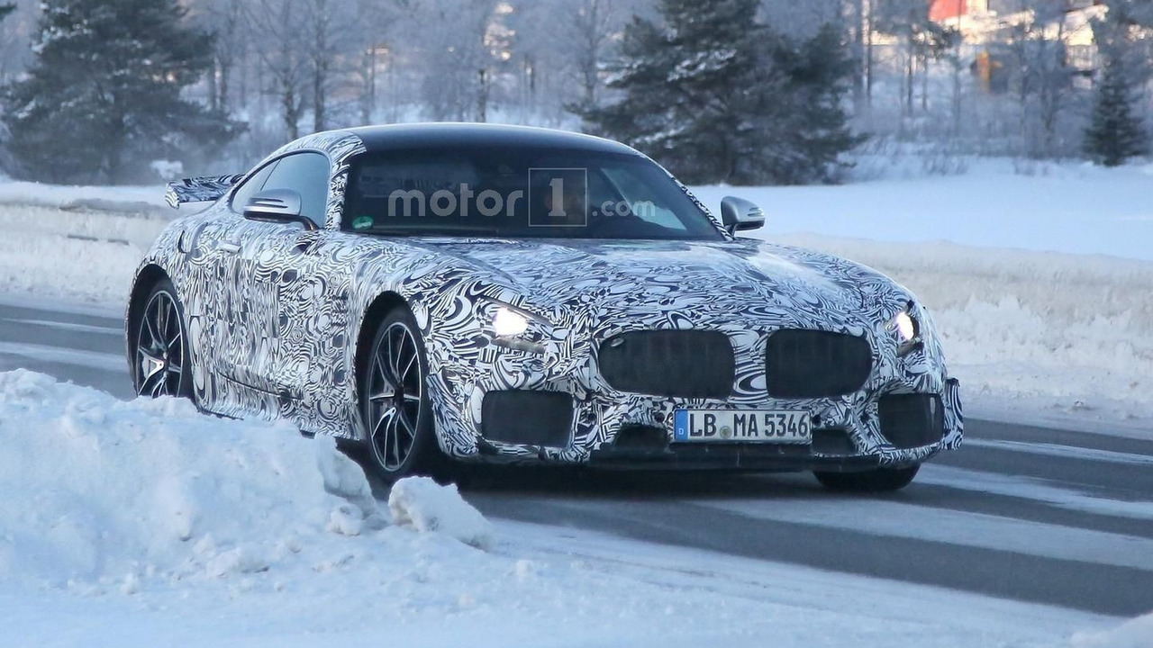 mercedes-amg-gt-r-spy-photo1 (6)