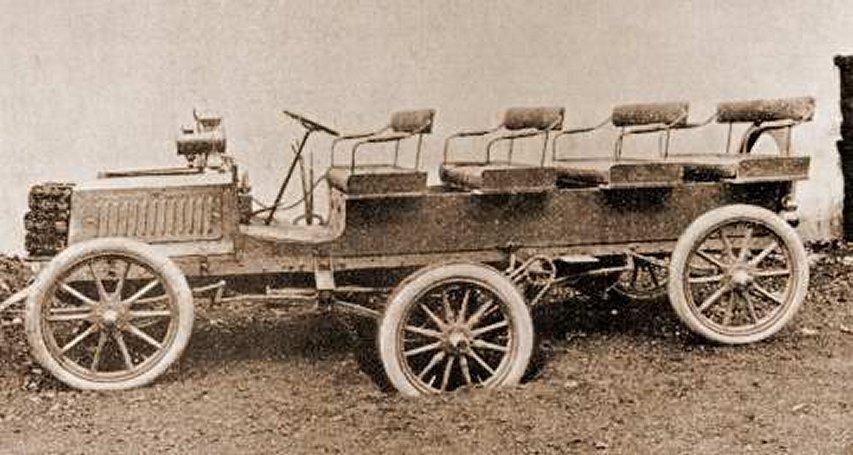 La sei ruote di Turcat Mèry del 1905. Come si può notare l'asse centrale è affossato.